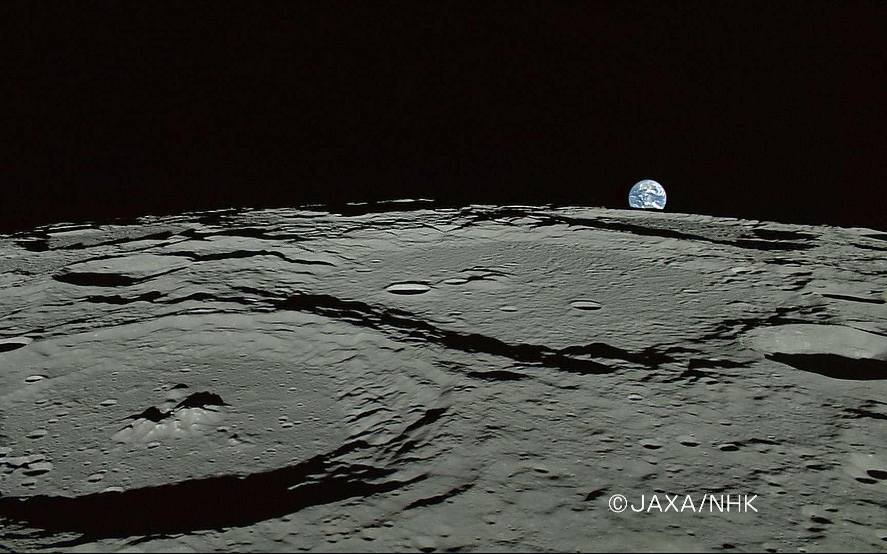 Une superbe image prise en 2007 par la sonde japonaise Kaguya qui tournait autour de la Lune à très faible altitude. Aujourd'hui, l'ambition de l'Esa est d'y faire marcher un jour des astronautes européens. © Jaxa, NHK