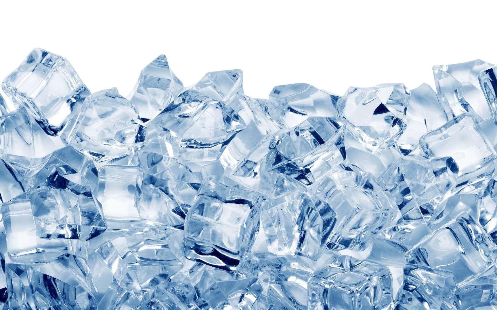 L'eau chaude gèle plus vite que l'eau froide : c'est ce qu'on appelle « l'effet Mpemba ». © Volodymyr Krasyuk, Shutterstock