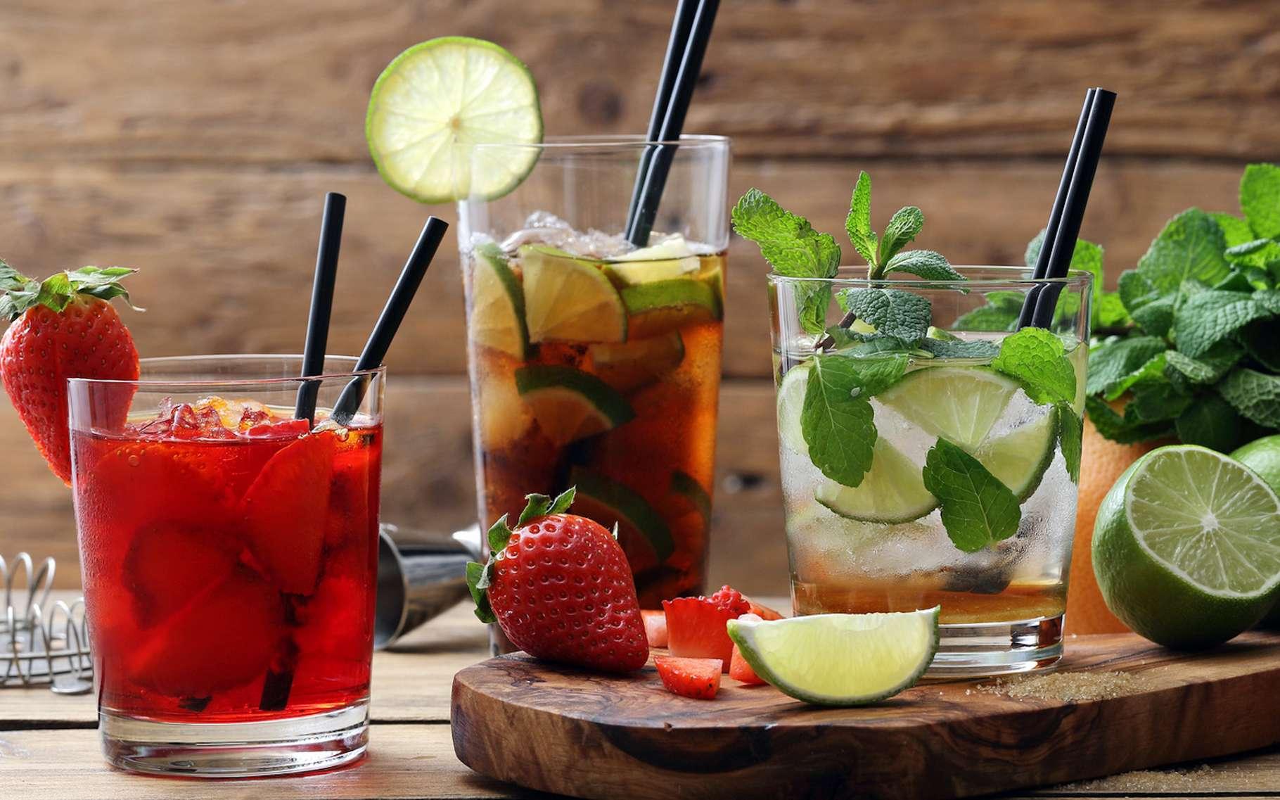 La plupart des gens savent que les sodas ne sont pas bons pour la santé. Aujourd'hui, une étude révèle que les jus de fruits ne seraient guère meilleurs. © denio109, Fotolia
