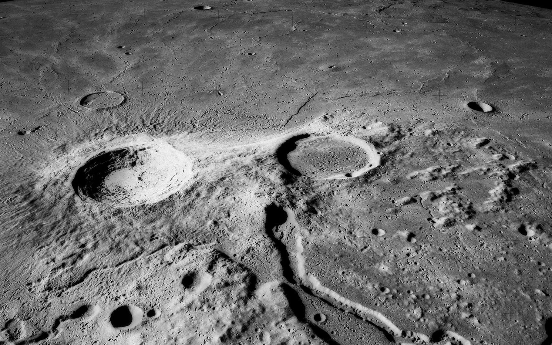 Aristarque est un cratère d'impact sur la face visible de la Lune. Parfois qualifié de « phare de la Lune », elle est la plus brillante des formations lunaires, avec un albédo deux fois supérieur aux autres. © Nasa CCO