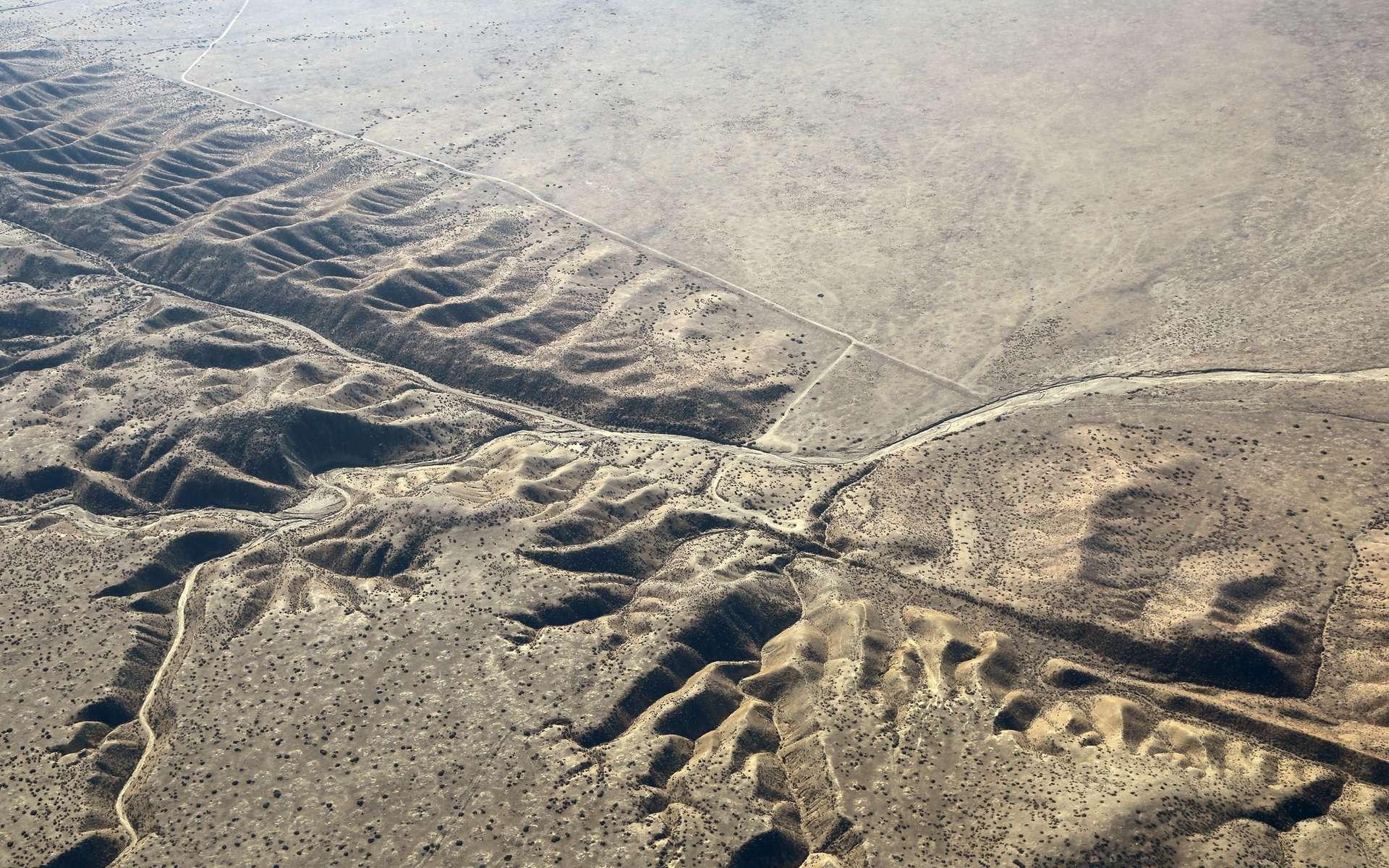 Déviation d'un cours d'eau par la faille de San Andreas en Californie. © Doc Searls, Flickr