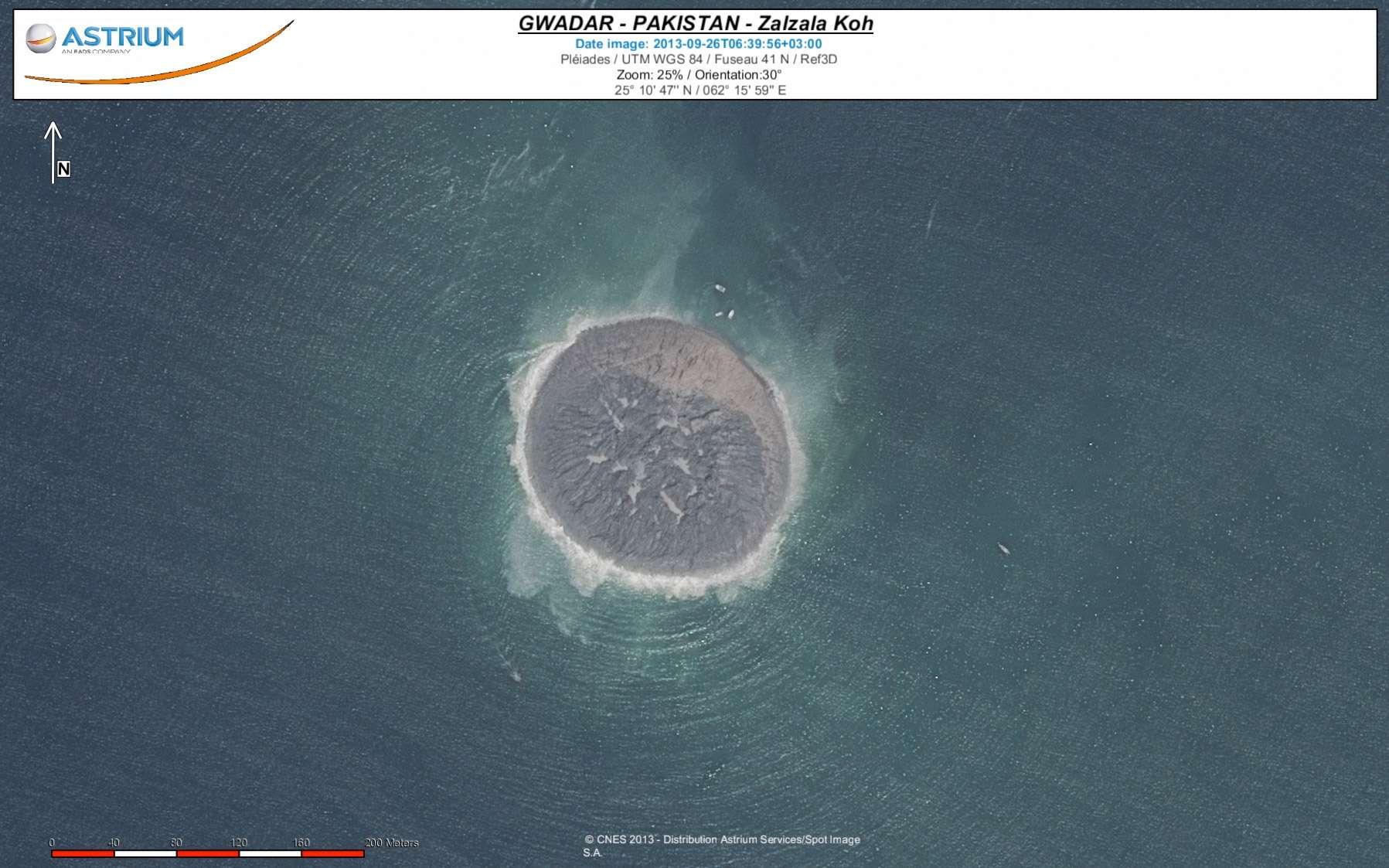 La photo de l'île la plus jeune au monde, acquise par la constellation Pléiades. © Cnes 2013, Astrium Services, Spot Image