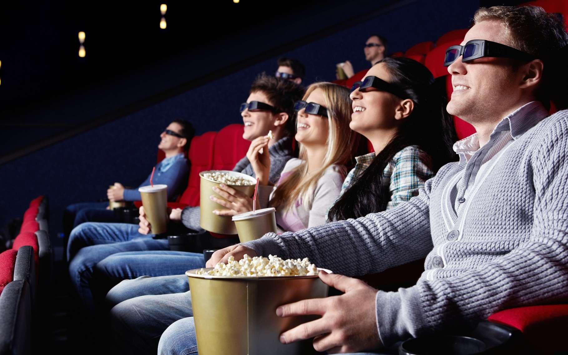 S'il existe déjà une technique permettant d'afficher des images 3D visibles sans lunettes spéciales, les contraintes techniques ne la rendaient jusqu'à présent pas applicable aux salles de cinéma. © LuckyImages, Shutterstock