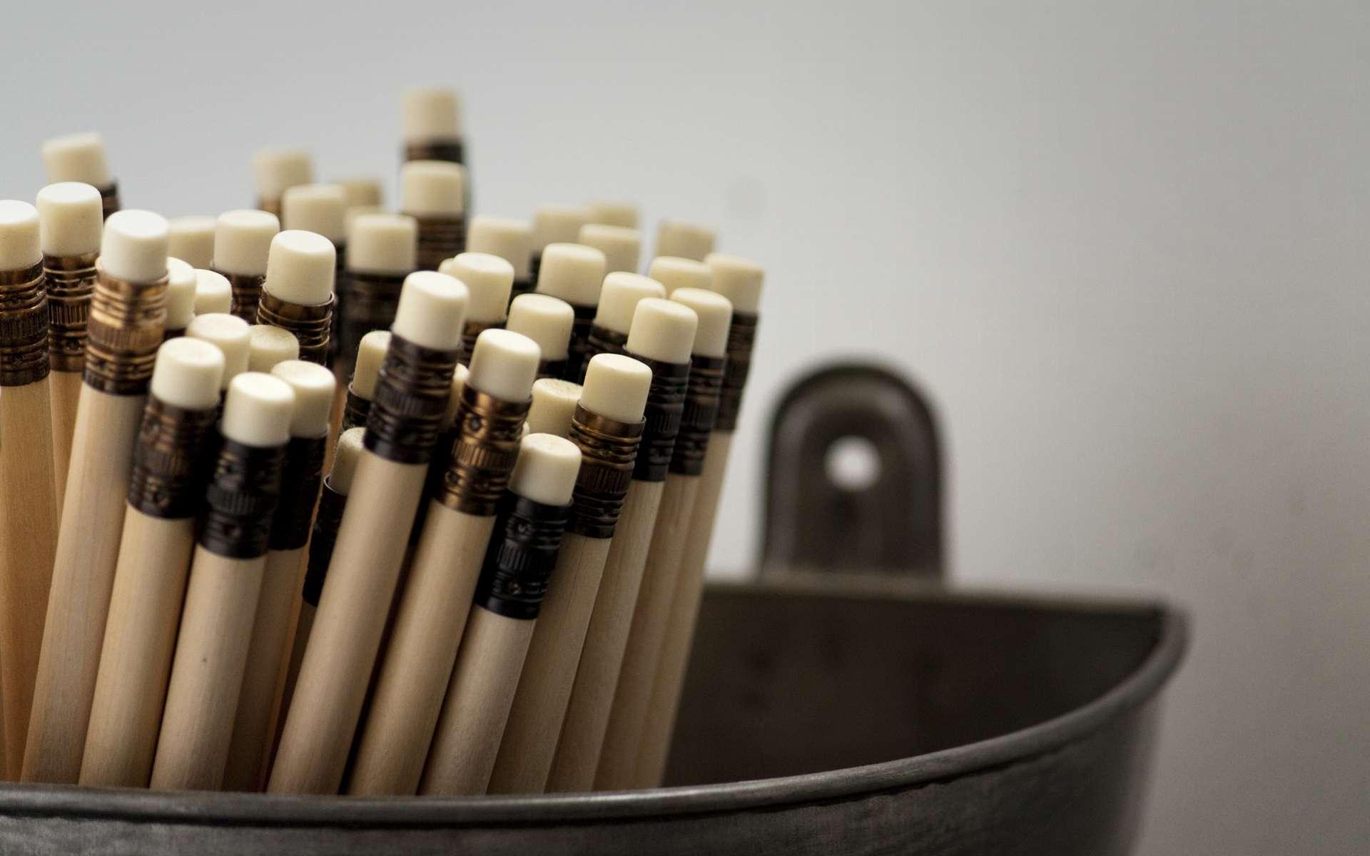 Pour effacer un trait de crayon, la gomme déchire la structure du papier. © Maxime MARAIS, Flickr, CC by 2.0