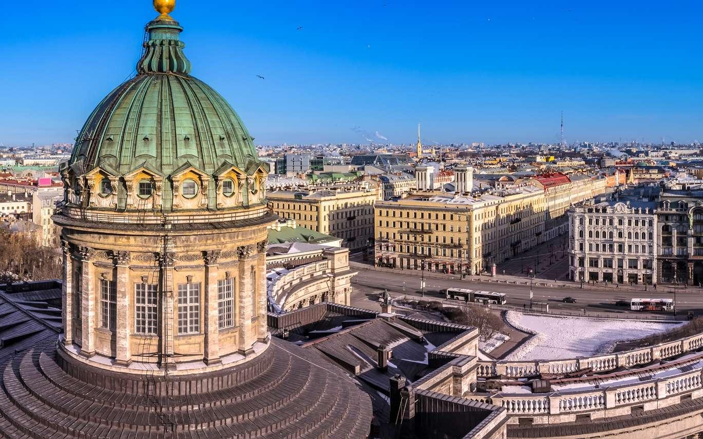 La cathédrale Notre Dame-de-Kazan située sur la perspective Nevski, la célèbre avenue de Saint-Pétersbourg, longue de plus de quatre kilomètres. © Grispb, Fotolia