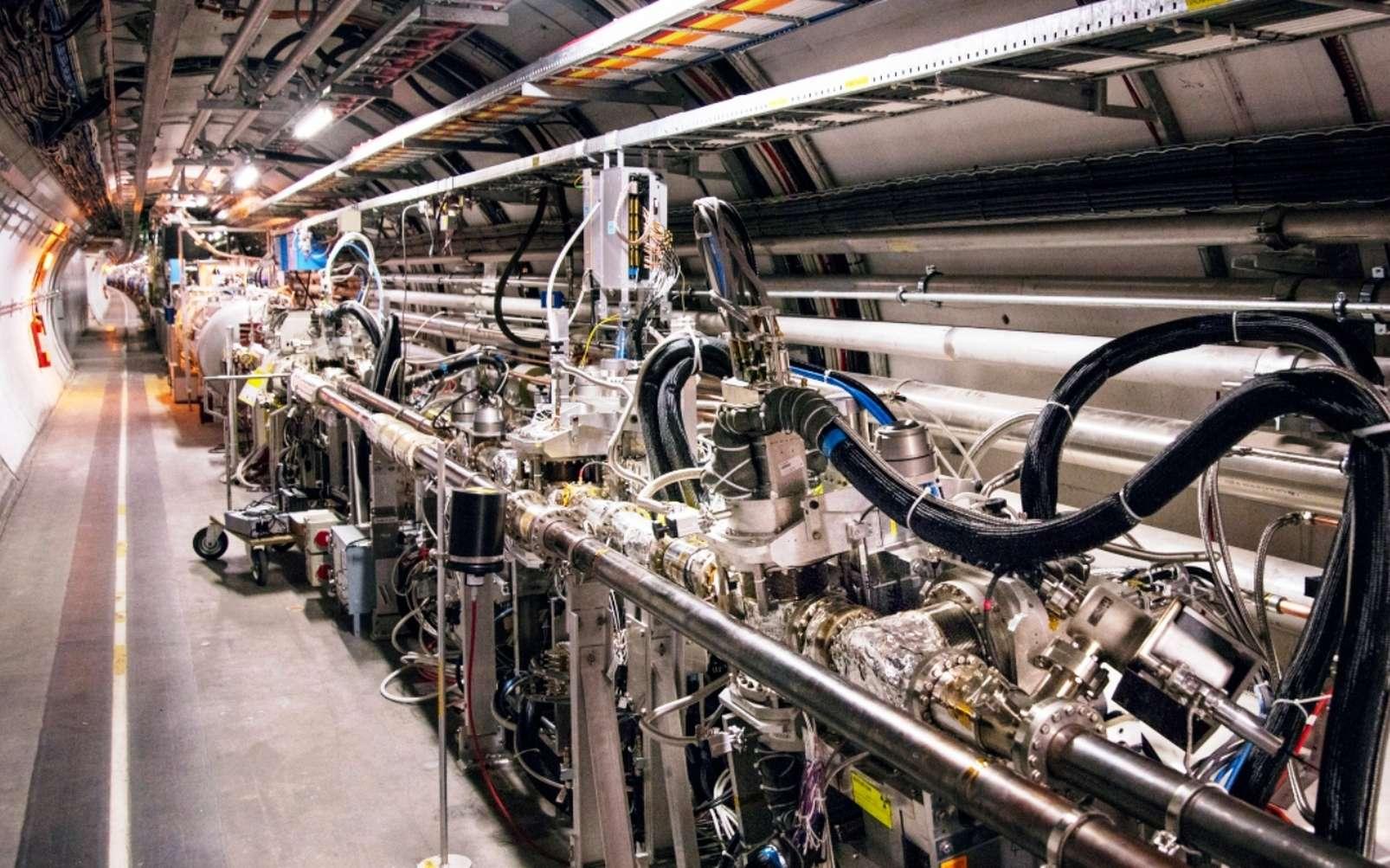 Une partie de l'installation Totem dans le tunnel du LHC à 220 mètres en aval de l'expérience CMS. © M. Brice, Cern