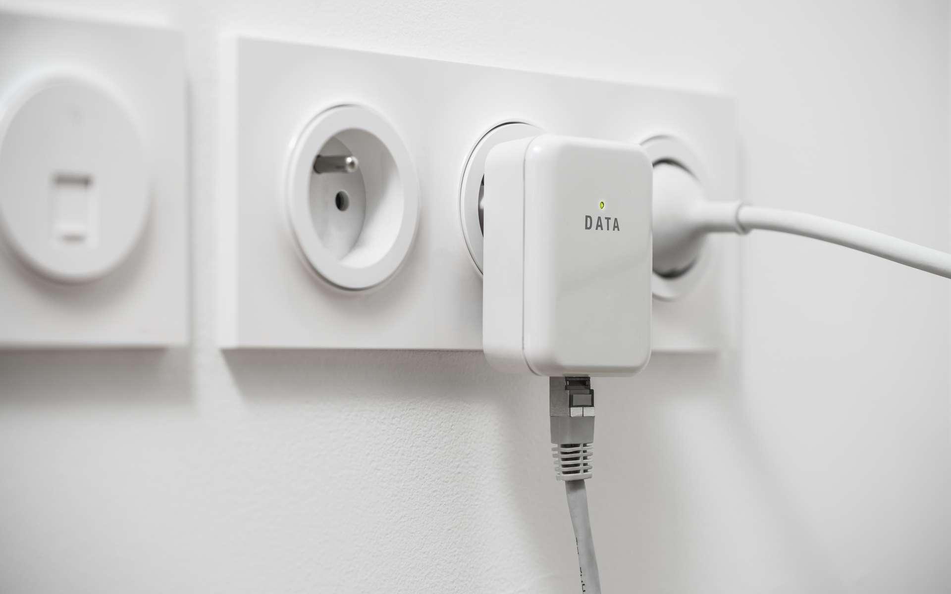 La prise CPL est la solution idéale pour étendre très facilement votre connexion Internet. © Olivier Le Moal, Adobe Stock