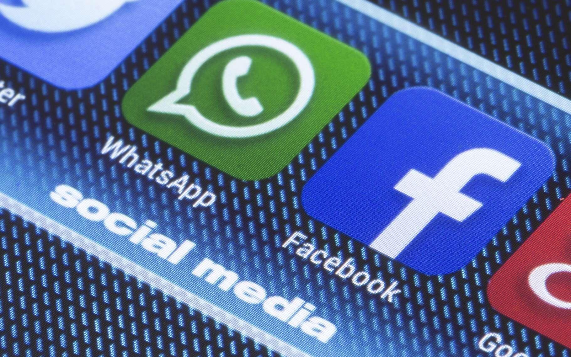 Facebook a décidé de faire fructifier son acquisition de WhatsApp en créant des passerelles commerciales entre les deux services. © Quka, Shutterstock