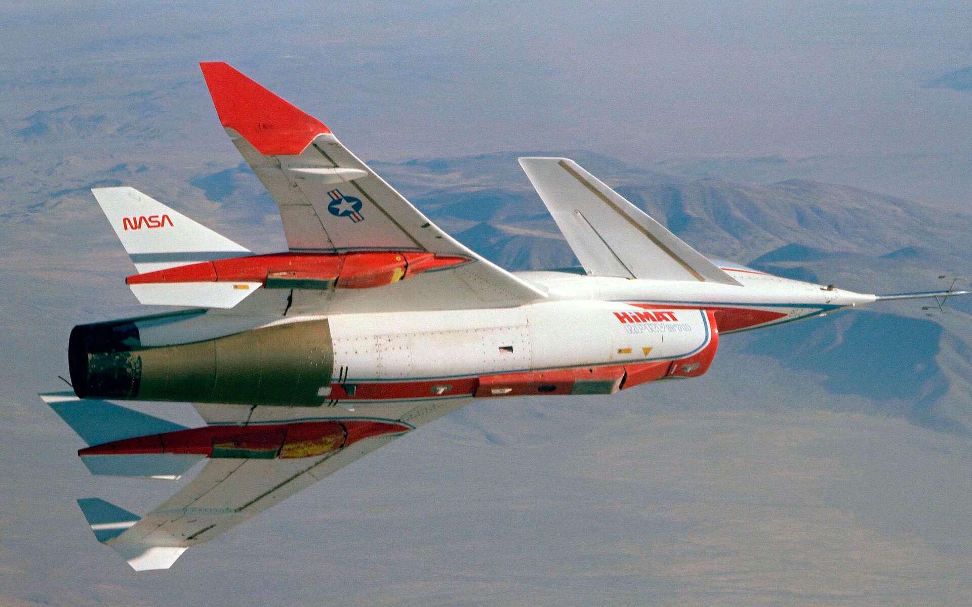 La Nasa met en ligne plus de 300 vidéos d'archive. Ici, l'avion expérimental HiMAT durant un vol d'essai en décembre 1980. © Nasa