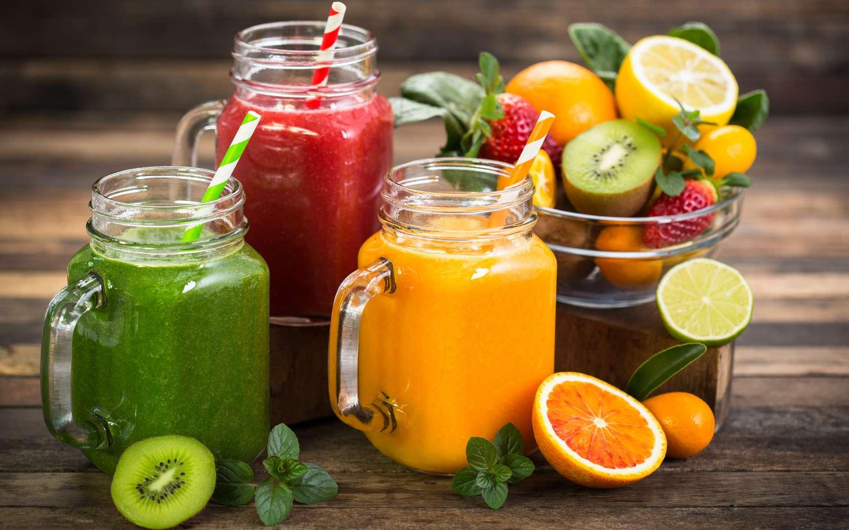 Les smoothies faits-maison, aux fruits ou aux légumes, sont un bonheur pour les papilles et la santé. © cholestérol, fotolia