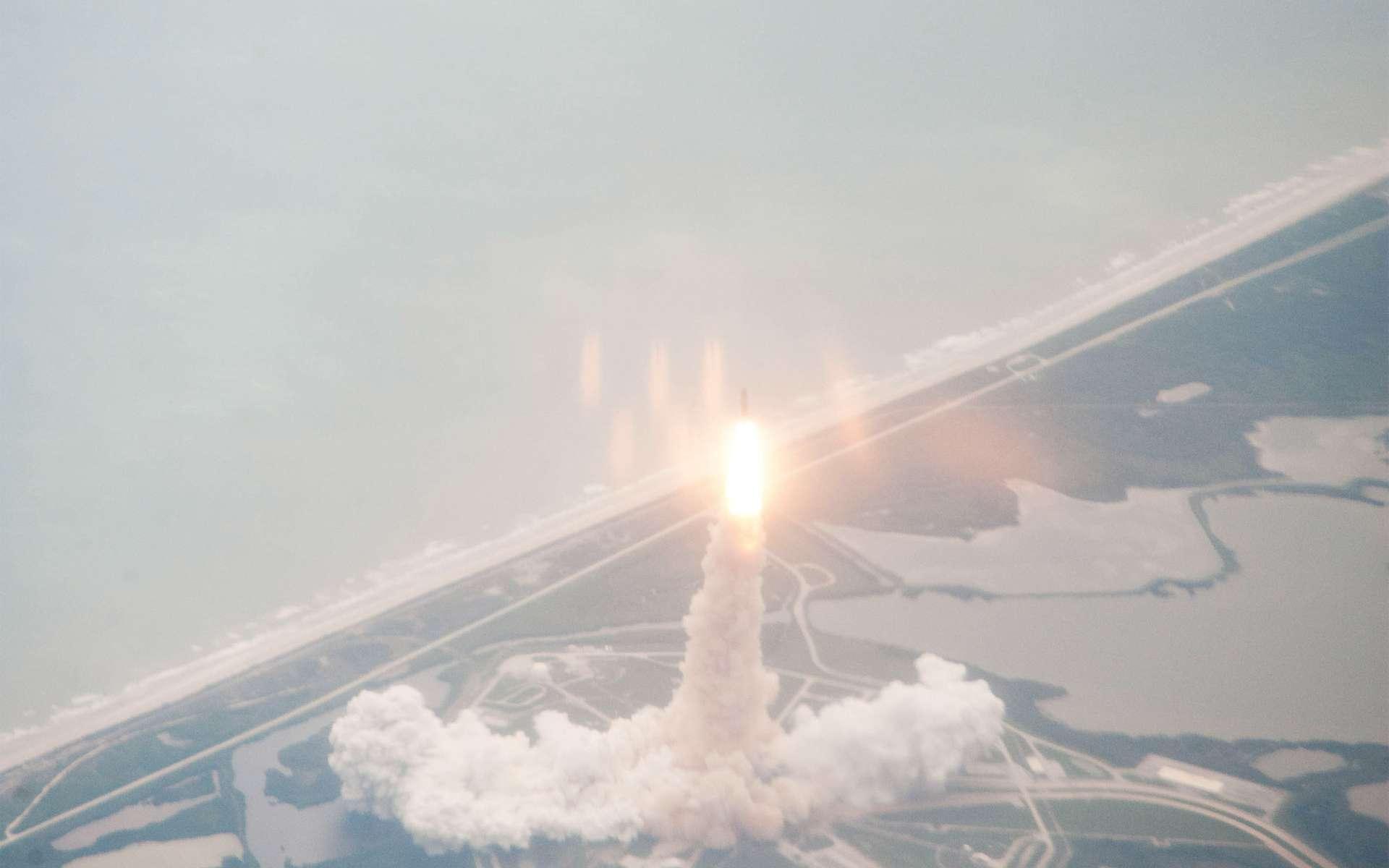 Pour son dernier lancement, on retiendra que la navette Atlantis a décollé le 8 juillet 2011 à 17 h 31, heure française pour une mission de moins de 12 jours. Trois hommes et une femme ont pris place à bord. © Nasa