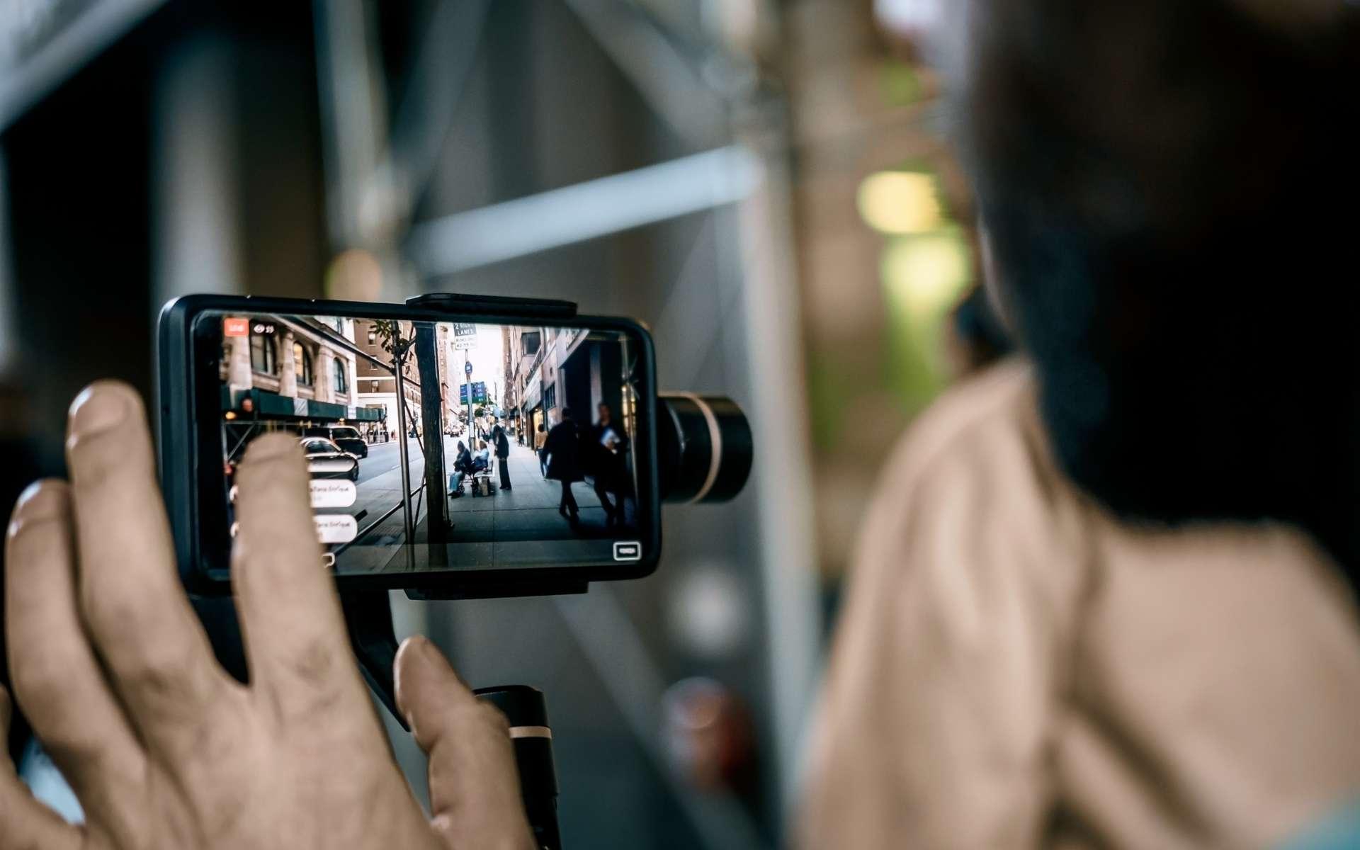 Apprenez à transférer vos photos d'un smartphone vers votre PC. © Iuliia, Adobe Stock