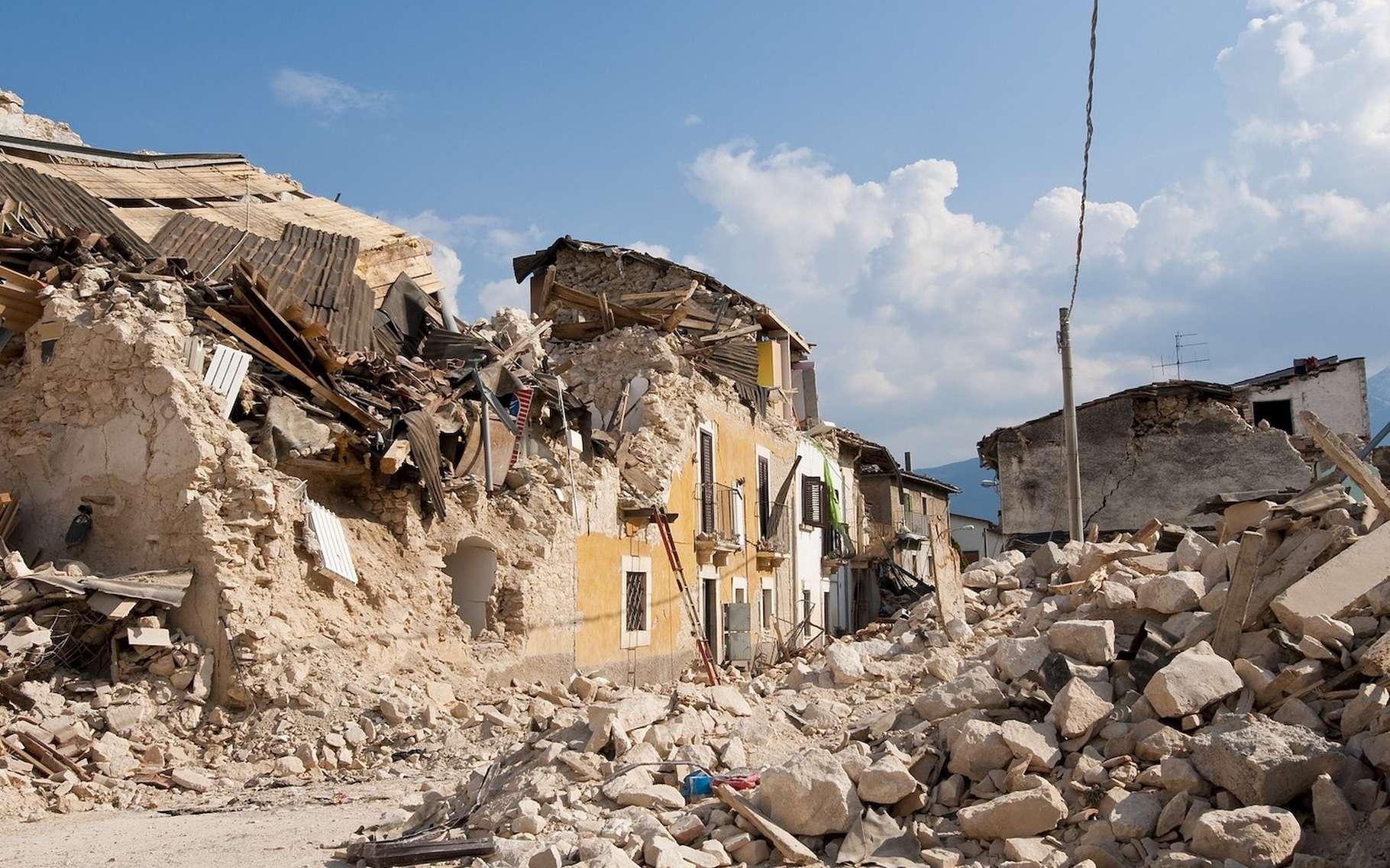 Une nouvelle technique de traitement du signal permettant d'enregistrer les séismes de magnitude très faible dévoile aux chercheurs que les grands tremblements de terre sont généralement précédés de petites secousses. © Angelo_Giordano, Pixabay License