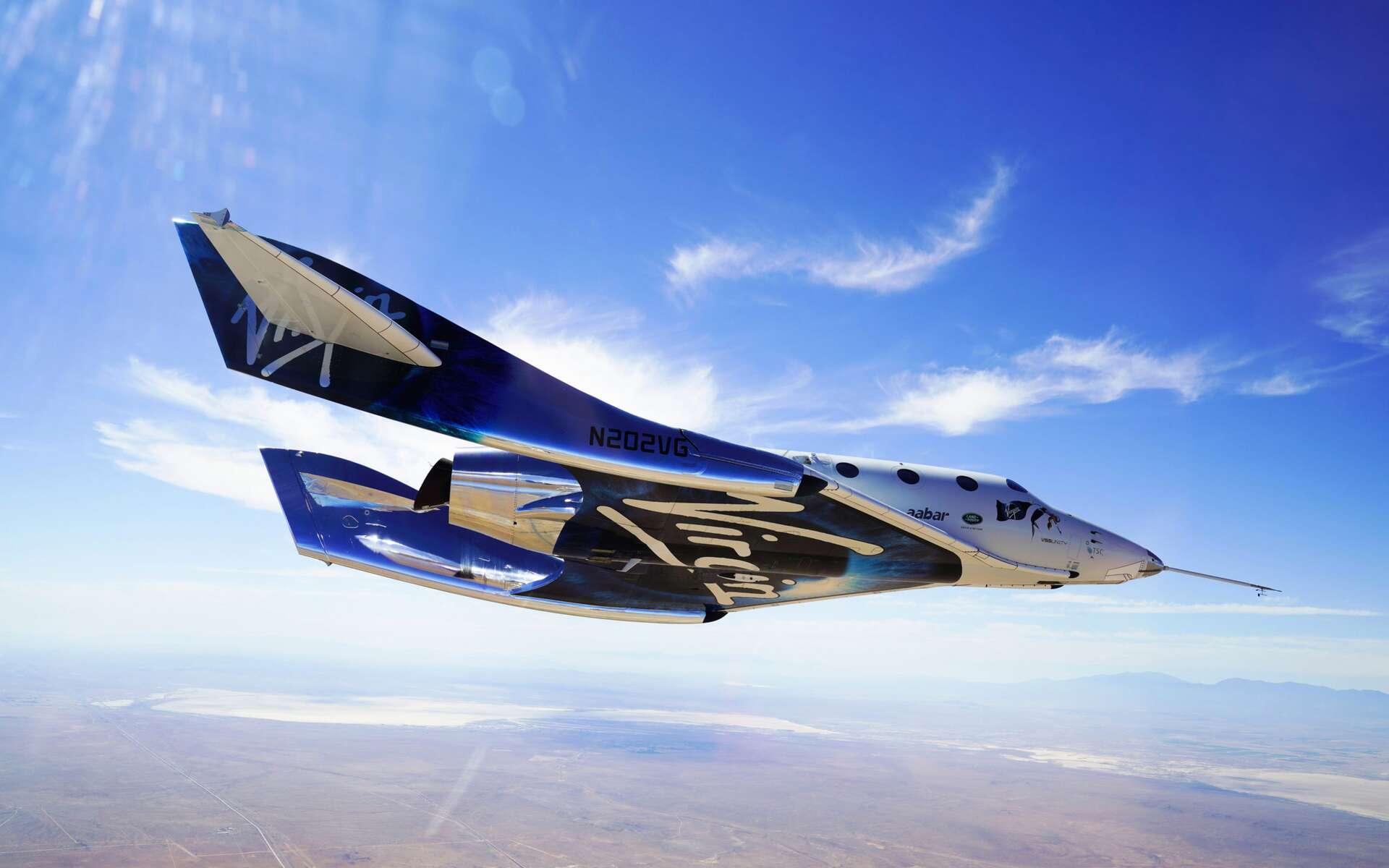 Le SpaceShipTwo est un avion suborbital de Virgin Galatic, destiné au tourisme suborbital et spatial. Il sera lancé depuis le White Knight 2, un avion de 43 mètres d'envergure, l'emportant sous son fuselage, jusqu'à environ une vingtaine de kilomètres d'altitude d'où s'effectuera la séparation des deux engins. Le SpaceShipTwo utilisera alors son propre système de propulsion pour rejoindre la frontière de l'espace. © Virgin Galactic