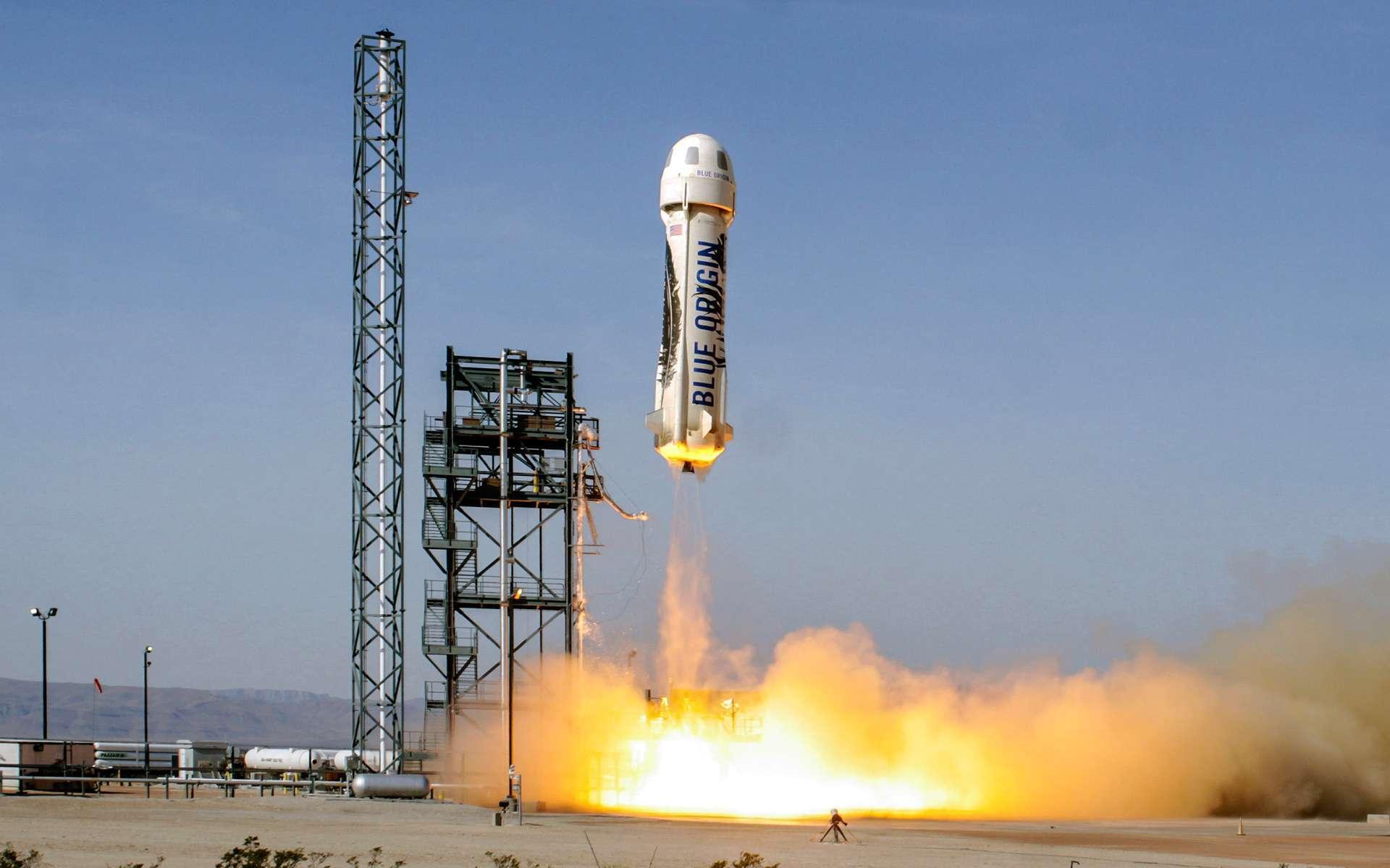 Le New Shepard de Blue Origin lors du vol d'essai réussi réalisé en juin dernier. Hier, la séparation de la capsule du lanceur a été réussie. © Blue Origin