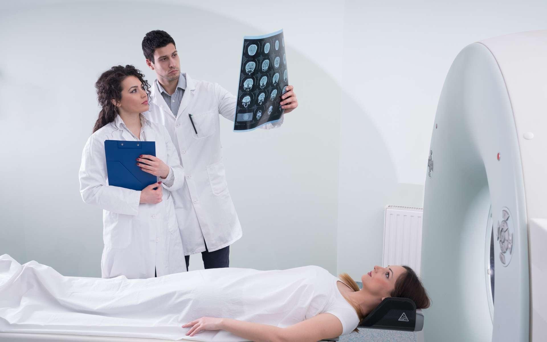 L'imagerie médicale que permet une IRM peut sauver des vies mais aussi faire progresser les neurosciences. La multiplication de ces machines est une nécessité pour une médecine plus performante et accessible à tous. © fotoinfot, Shutterstock