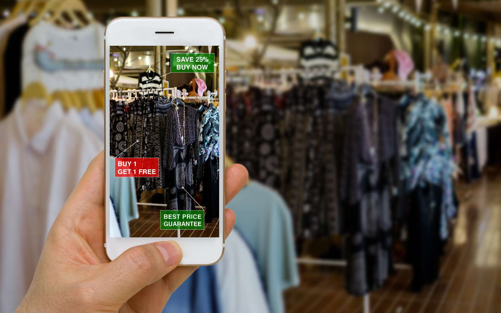 La réalité augmentée incruste des images et des sons virtuels dans le monde réel pour le transformer ou apporter des informations complémentaires. © supparsorn, Fotolia