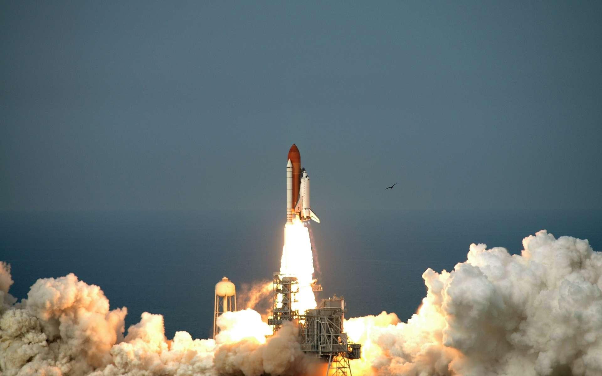 Endeavour, mercredi 15 juillet à 18 h 03 locale (22 h 03 TU), emporte sept astronautes et le dernier élément du module japonais Kibo, pour la mission STS-127. © Nasa