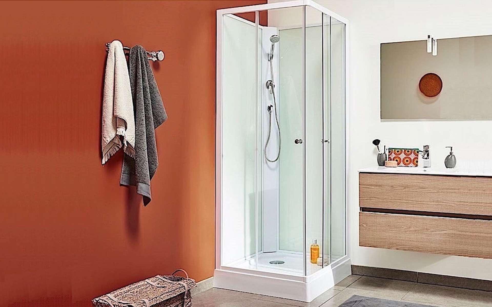 L'usage de la douche favorise les économies d'eau. © Bricozor