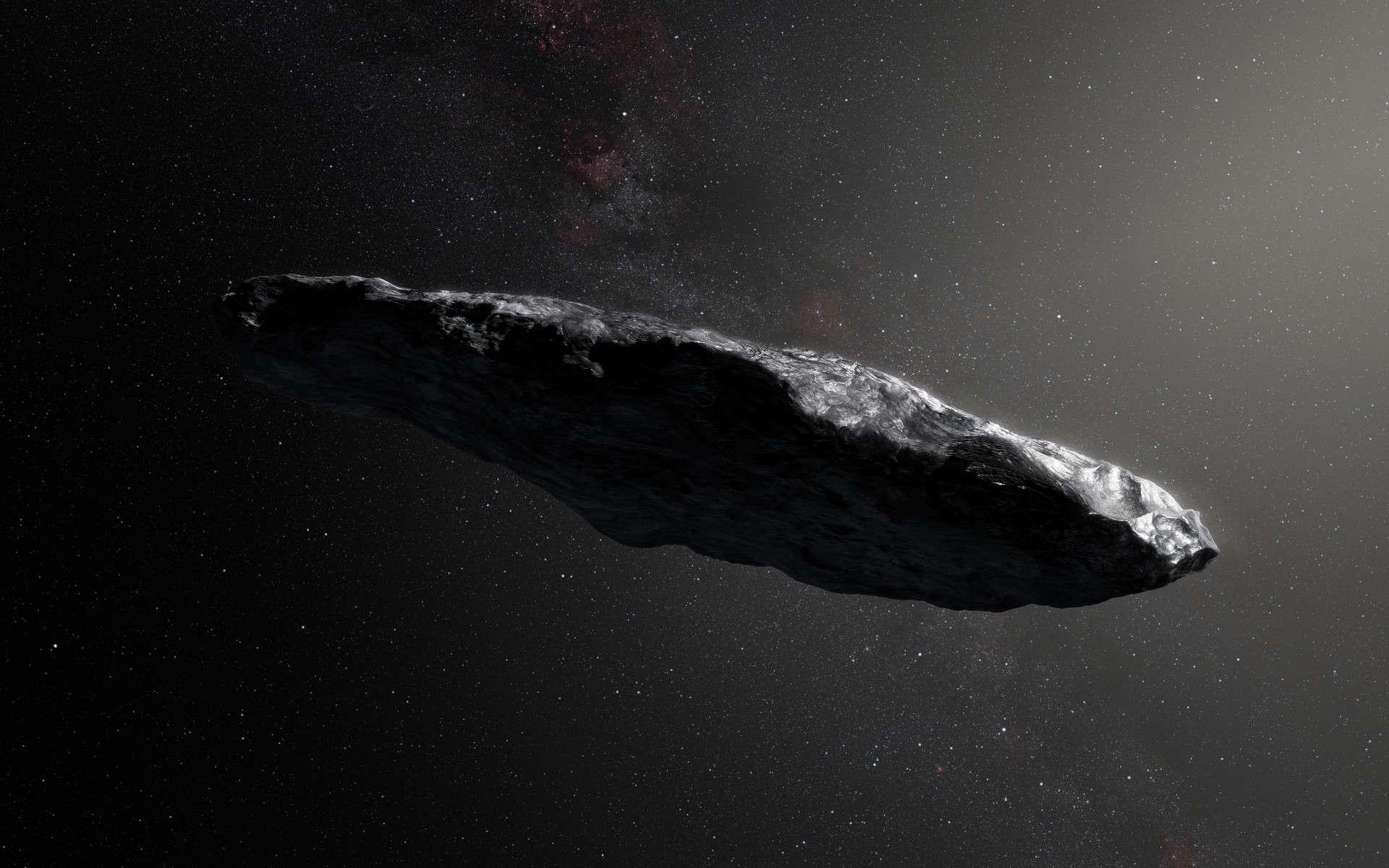 Vue d'artiste d'Oumuamua. D'aspect rougeâtre et en forme de cigare, avec une longueur de 800 mètres et une largeur de 80 mètres environ, qui plus est sur une orbite hyperbolique le conduisant à quitter le Système solaire à près de 90 km/s, il s'agit incontestablement d'un astéroïde ou d'une comète interstellaire. © ESO