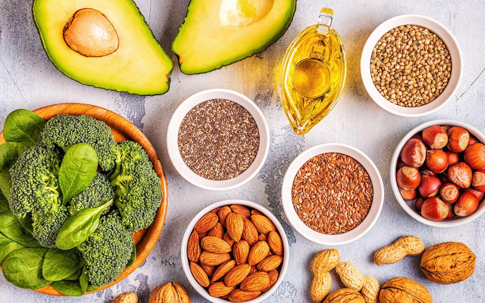 Les superaliments sont des aliments bruts avec des qualités nutritionnelles intéressantes comme la présence de vitamines ou d'oméga-3. © tbralnina, Adobe Stock