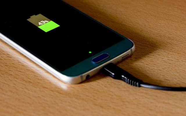 Cette batterie peut alimenter votre smartphone pendant 5 jours !