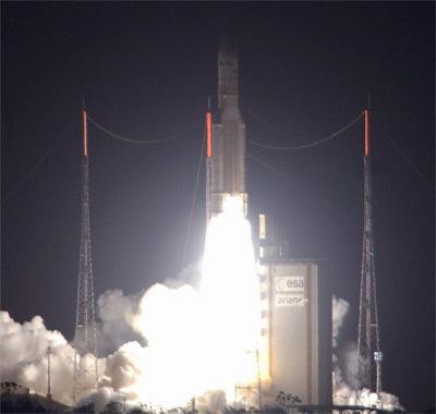 "Ariane-5 ""dix tonnes"" signe son deuxième succès Ariane5_ECA"