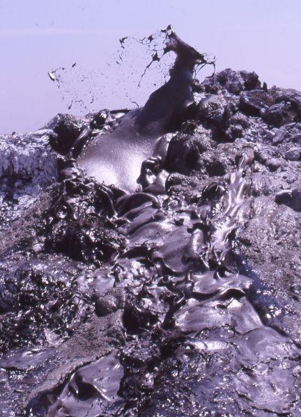 Les carbonatites fluides du Lengaï. Crédit : Patrice Visieloff