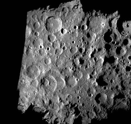 Un radar terrestre cherche de l'eau sur le pôle sud de la Lune RTEmagicC_goldstone-20090618-full.jpg